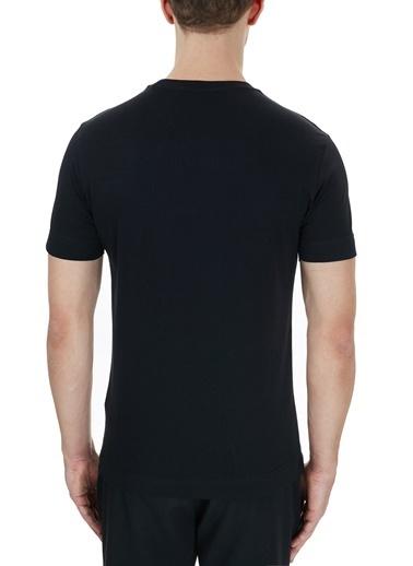 Emporio Armani  Logo Bakılı Bisiklet Yaka % 100 Pamuk T Shirt Erkek T Shırt S 6H1Tq7 1J30Z 0999 Siyah